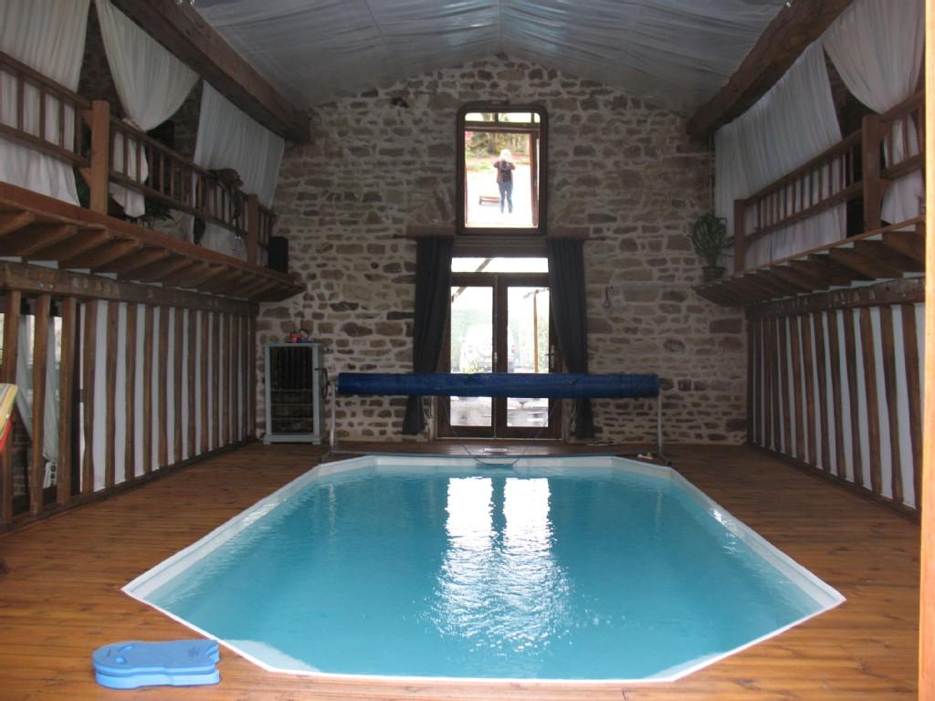 Gite avec piscine int rieure creuse 23 r f rencement tourisme - Piscine interieure design ...